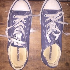 Converse Low Top - Navy - size 6 Women